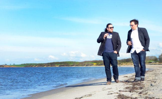 Unsere Referenten Marc und Phillip im konstruktiven Austausch über Meerpunkt
